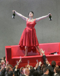 "Sonya Yoncheva jako Violetta w ""Traviacie"" w Metropolitan Opera, fot. Ken Howard / Metropolitan Opera"